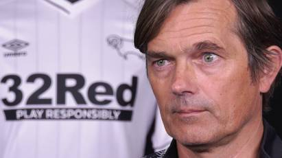 "Cocu: ""You Have To Put Up A Fight In Every Game In The Championship"""